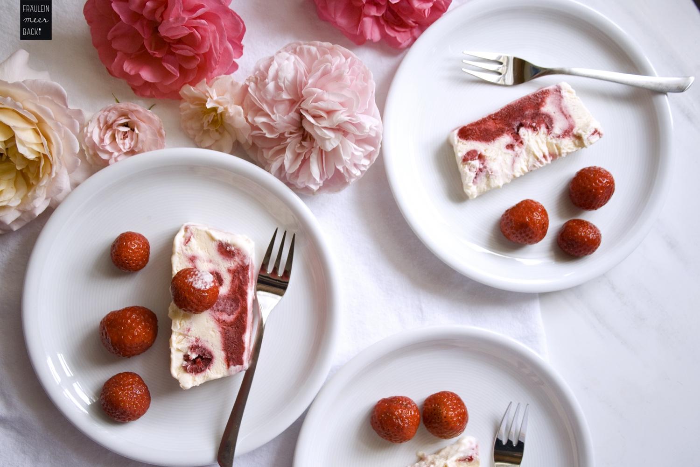 fraeulein-meer-backt-himbeer-erdbeer-parfait