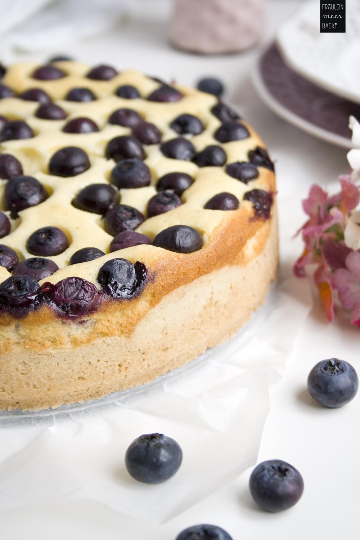 fraeulein-meer-backt-kaesekuchen-mit-blaubeeren