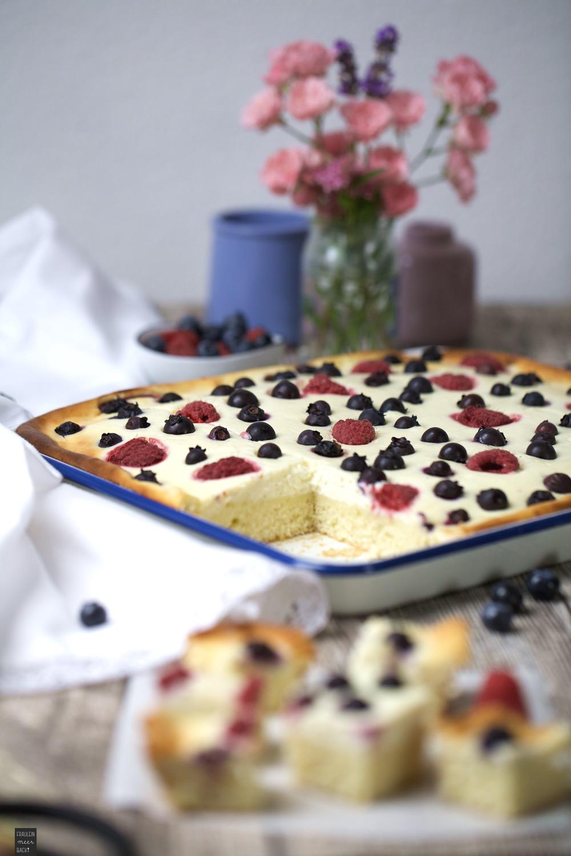 Fraeulein Meer backt Beeren Quark Kuchen