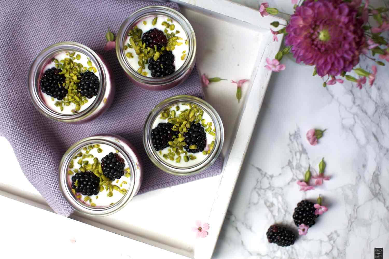 Fraeulein Meer backt Brombeer Joghurt Dessert