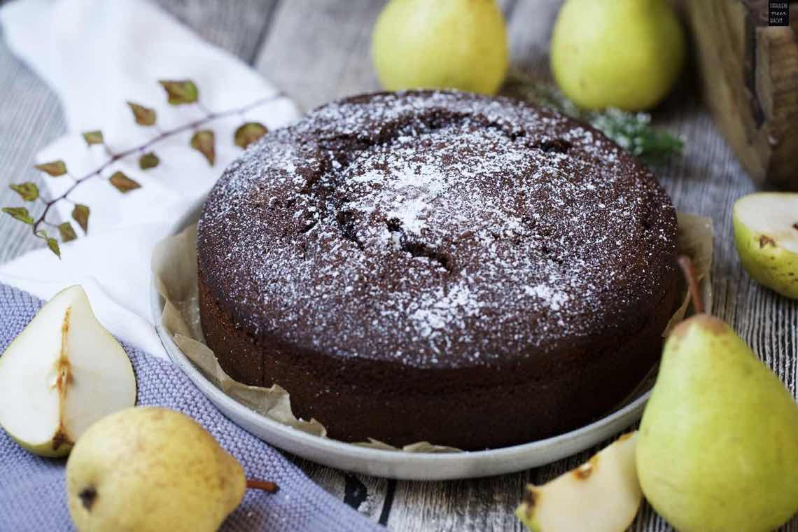 Schokoladen Kuchen Mit Fruchtigen Birnen Fraulein Meer Backt