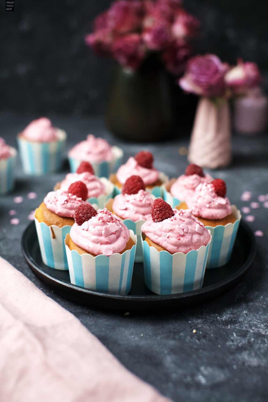 Fraeulein Meer backt Himbeer-Cupcakes