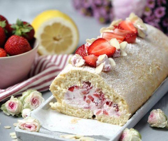 Fraeulein Meer backt Erdbeer Biskuitrolle