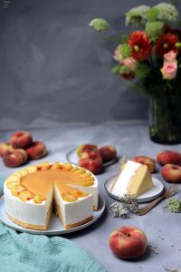 Fraeulein Meer backt Joghurttorte mit Pfirsich
