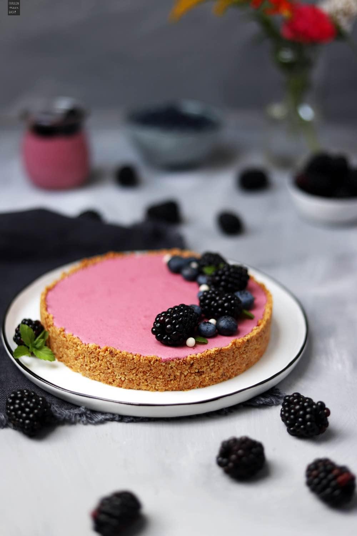 Fraeulein Meer backt No Bake Brombeertarte