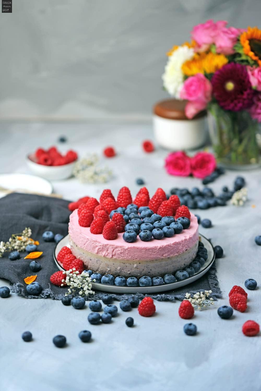 Fraeulein Meer backt No Bake Himbeer Blaubeer Kuchen