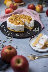 Fraeulein Meer backt Joghurttorte mit Apfelkompott