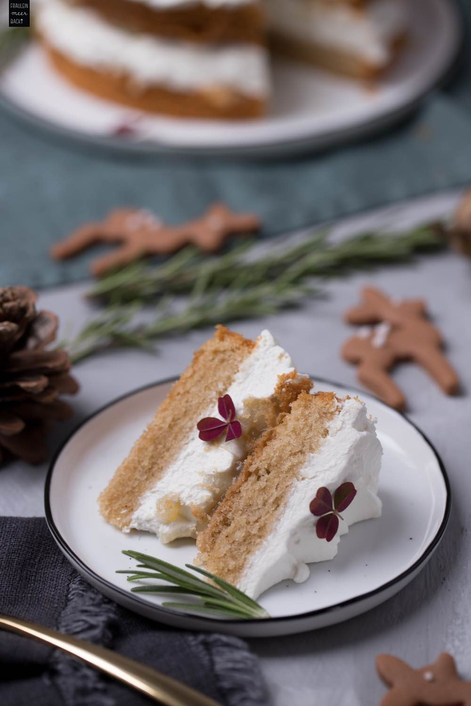 Spekulatius-Quark-Torte mit Rehen