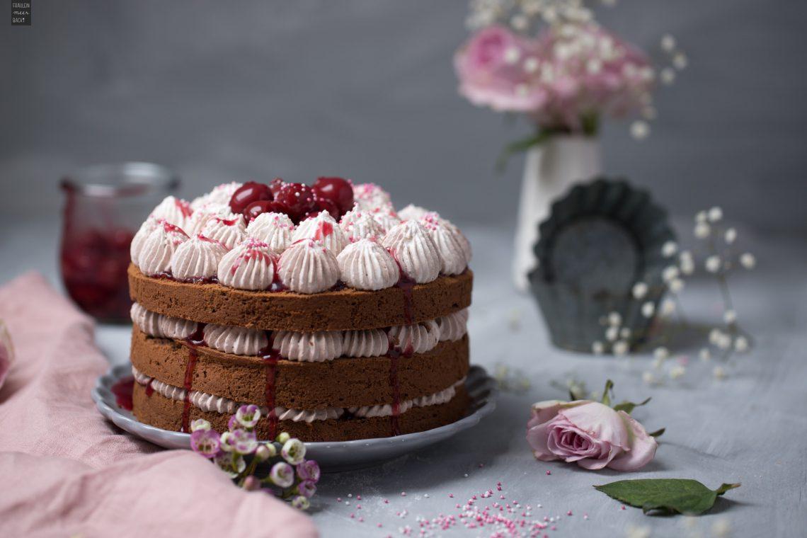 Fraeulein Meer backt Schoko Torte mit Kirschen