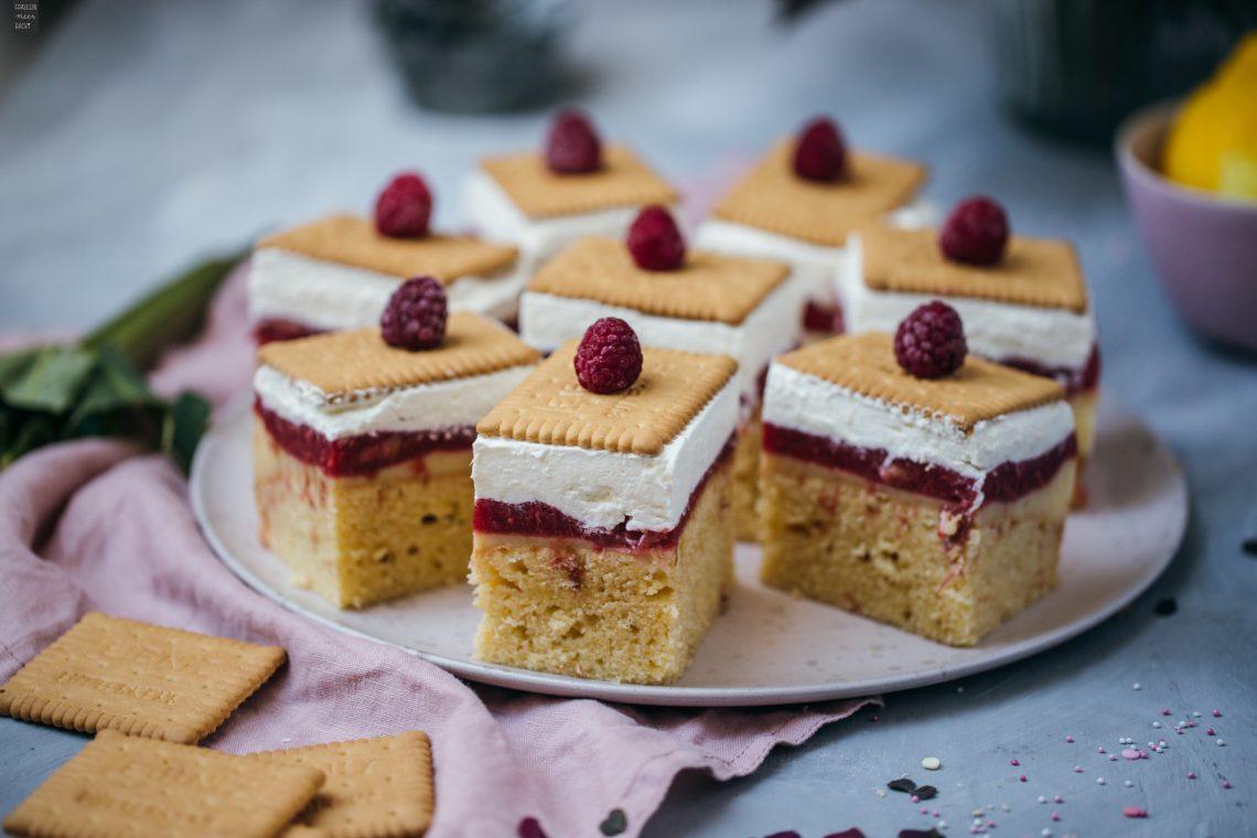 Fraeulein Meer backt Butterkekskuchen Himbeer-Rhabarber-Kompott