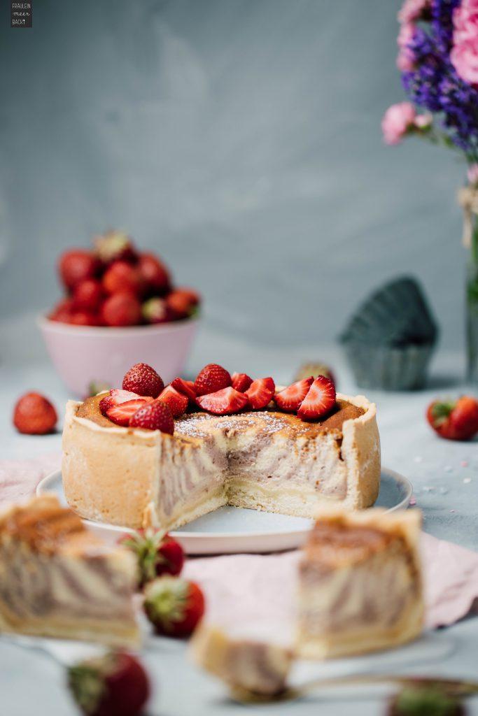 Fraeulein Meer backt Erdbeer Käse Zebrakuchen