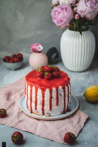 Fraeulein Meer backt Erdbeer Sahne Torte