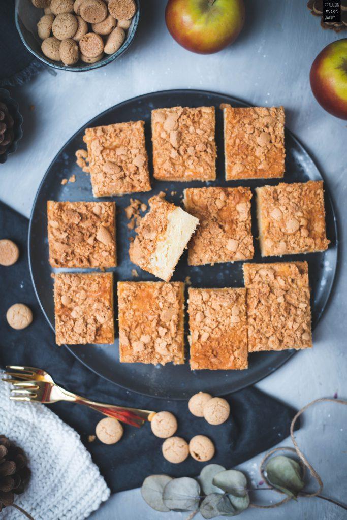 Fraeulein Meer backt Apfelkuchen mit Amarettini
