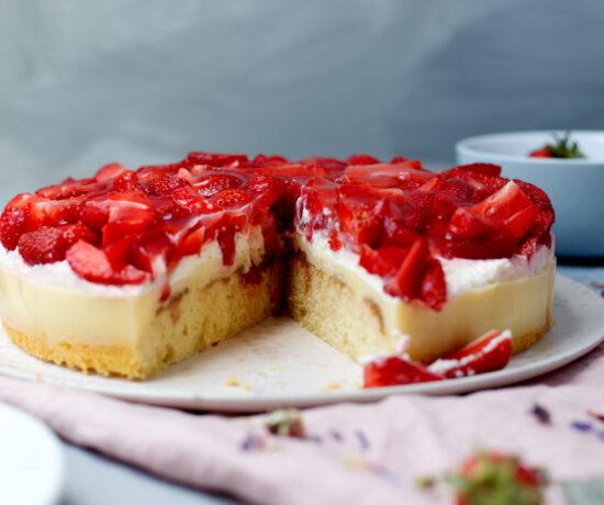 Fraeulein Meer backt Erdbeer-Rhabarber-Kuchen
