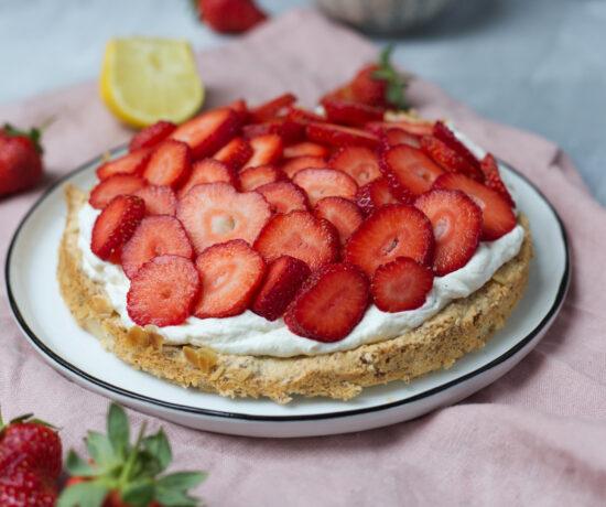 Fraeulein Meer backt Erdbeer-Mandelkuchen
